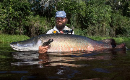 Oliver White ties his arapaima flies with Owner Aki 8/0 hooks. Jim Klug photo