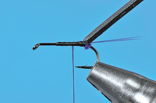 Step-2-Tying-the-User-Friendly-Fly
