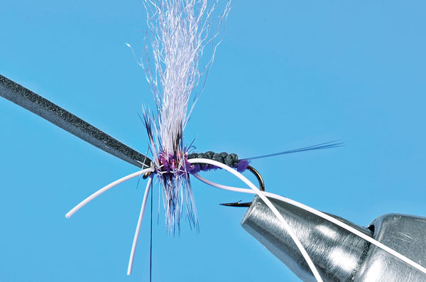 Step-8-Tying-the-User-Friendly-Fly