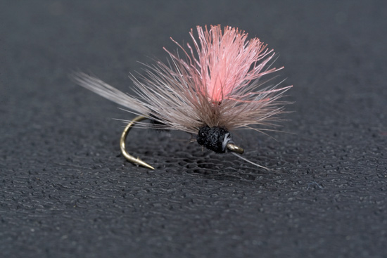 //www.flyfisherman.com/files/7-spinner-solutions/double-trico-parachute.jpg