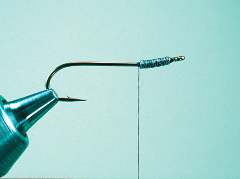 //www.flyfisherman.com/files/fly-tying-the-dc-leech/dc-leech-step-1-fly-fisherman.jpg