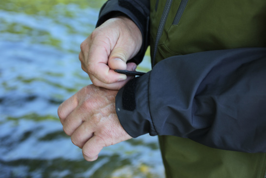 //www.flyfisherman.com/files/functional-wading-gear-features/outsidecuff.jpg