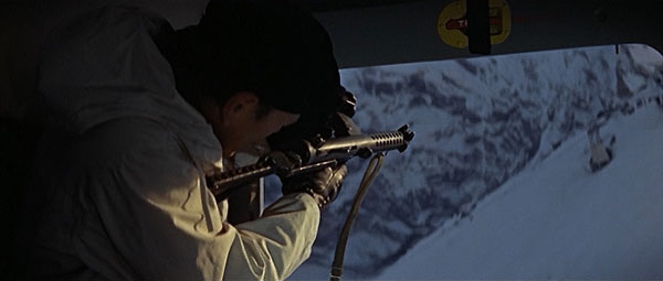 //www.gunsandammo.com/files/15-best-guns-of-the-james-bond-films/sterling-l2a3.jpg