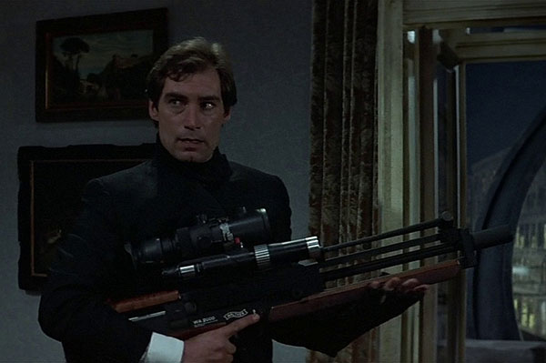 //www.gunsandammo.com/files/15-best-guns-of-the-james-bond-films/walther-wa-2000.jpg