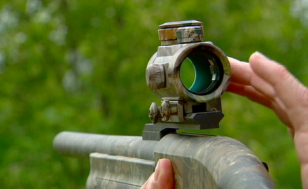 Technical Editor Dick Metcalf explains that the advantage of electronic dot sights is you don't