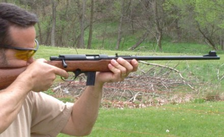Gun review video on Mossberg 802 Plinkster.
