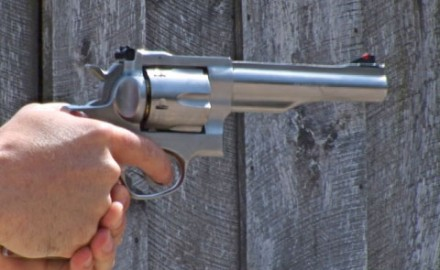 Gun review video on Ruger Redhawk .44 Magnum.