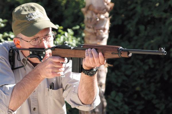 Auto-Ordnance-Model-150-M1A1-Carbine_001