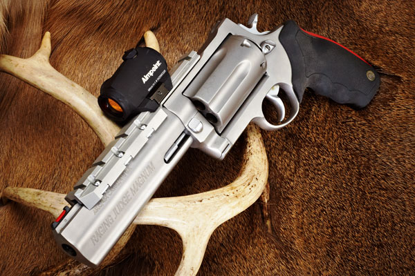 Taurus-Raging-Judge-Magnum_001