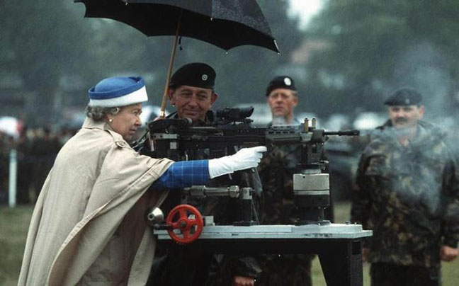 Caption Contest: God Save the Queen!