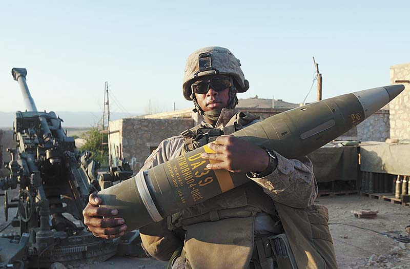 Marine Artillery Battery Hits Target from 22 Miles Away - Guns & Ammo