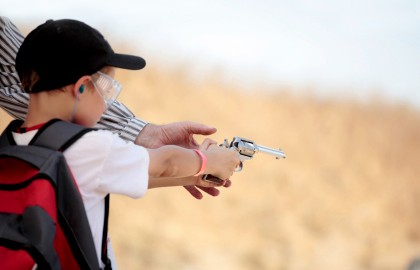 Teaching-a-kid-to-shoot