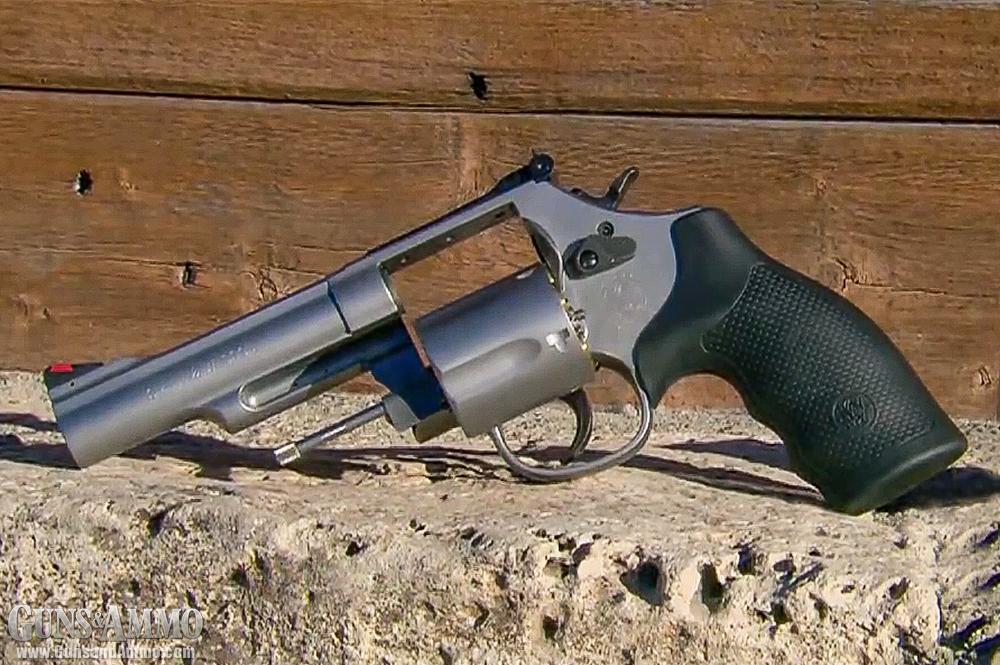 Картинки по запросу Smith & Wesson M66 Combat Magnum