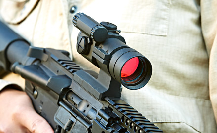 Aimpoint_carbine_optic_2