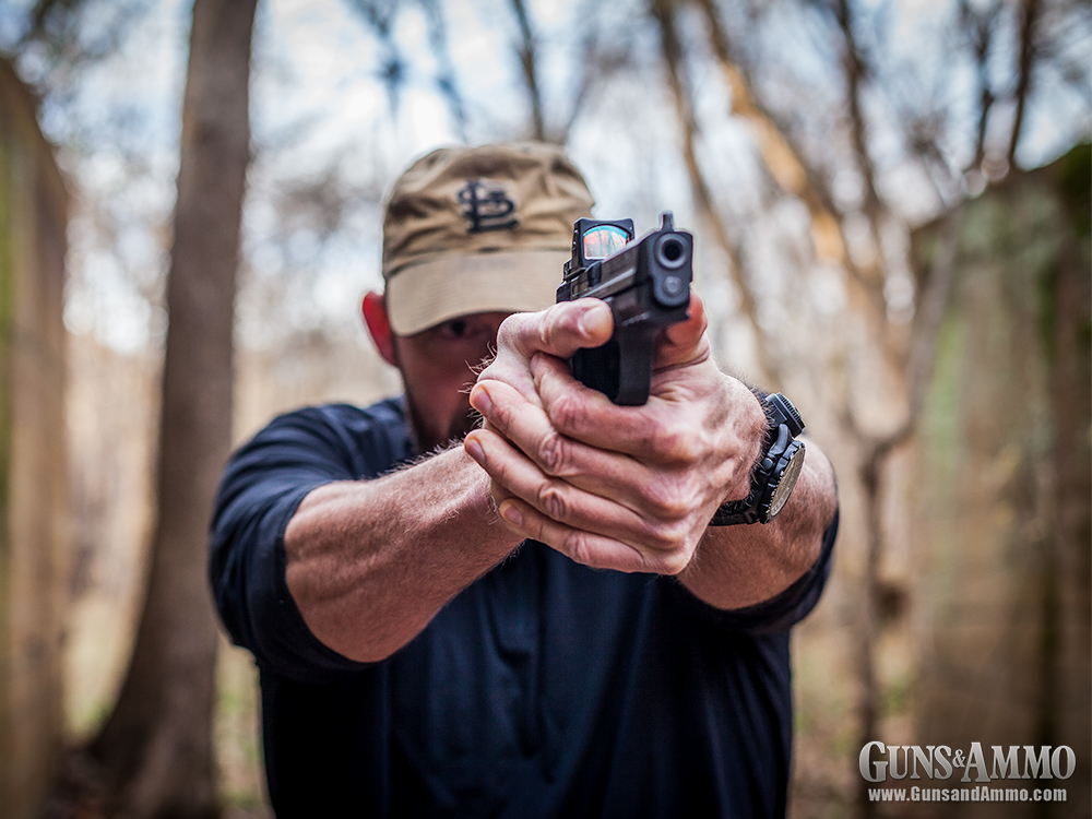 trijicon_rmr_concealed_carry_smith_wesson-m-p-c-o-r-e-9-pistol_37