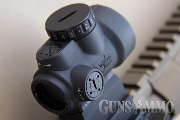 Trijicon-MRO-(Miniature-Rifle-Optic)-Closeup