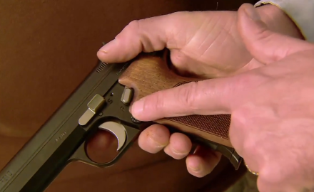 Our experts look at the german manufactured SIGSauer P210 9 mm handgun.