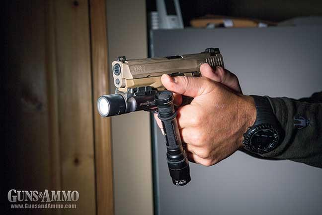 light-tactical-firearm-mounted-4