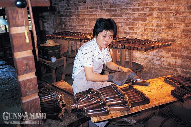 ak47-chinese-visit-factory-6