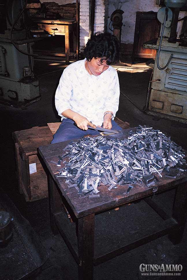 factory-ak47-visit-chinese-7