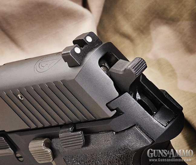m11-a1-pistol-review-sig-sauer-3