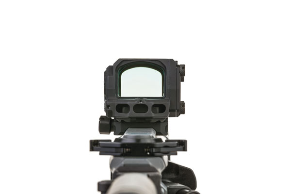 The large, 32mm window on the R1X reduces tunnel vision and increases target acquisition and hit probability during rapid-fire strings or when trying to engage moving targets.
