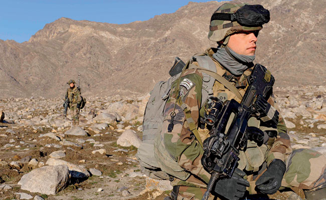 French soldiers from the 27th Alpine Rangers Battalion and French Task Force Tiger patrol the many valleys of Kapisa province, Afghanistan, April 21, 2009. (DoD photo by Maj. Patrick Simo)