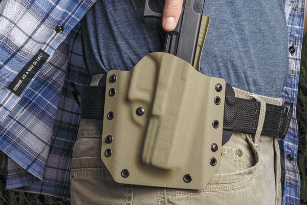 New Lightweight Holster Shines in 30-day Carry Test