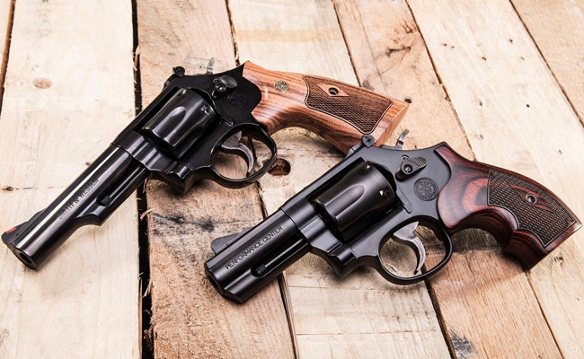 S&W's Model 19 Classic and Performance Center Model 19 Carry Comp