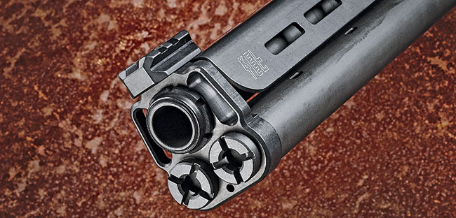 The KSG-­25 arrives with two top rails, a long one closer to the receiver for mounting optics and a short one for attaching a front sight above the muzzle.
