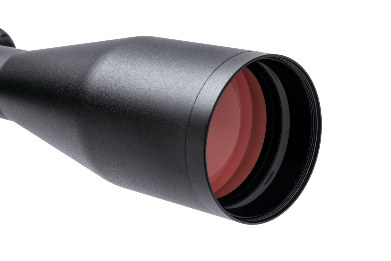 With its 50mm objective, the 6-24X is ideal for long-range precision shooting and hunting, even at twilight.