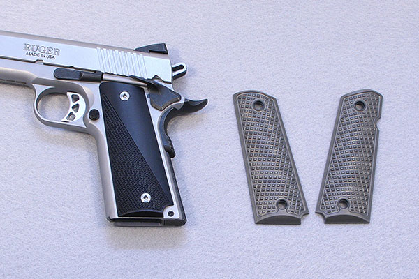 //www.gunsandammo.com/files/8-1911-grip-makers-you-should-know-about/aluma_1911_grips.jpg