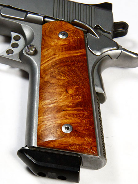 //www.gunsandammo.com/files/8-1911-grip-makers-you-should-know-about/raasco.jpg