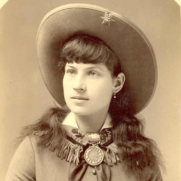 //www.gunsandammo.com/files/8-most-influential-people-in-shooting-history/annieoakley.jpg