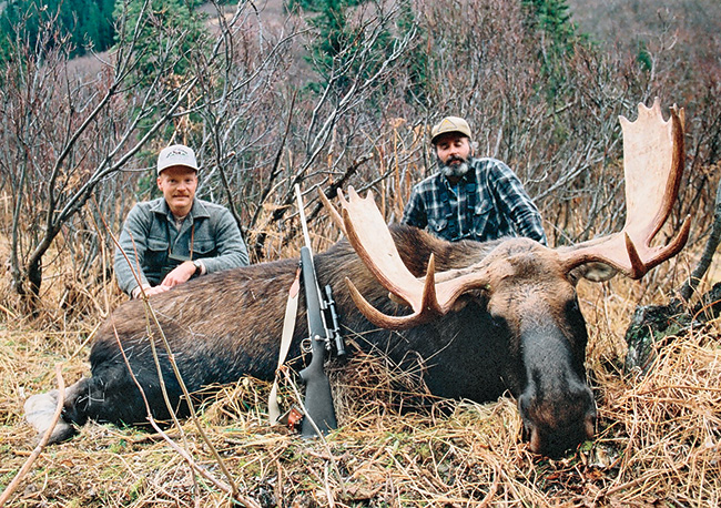 //www.gunsandammo.com/files/boddingtons-best-calibers-for-north-american-big-game-hunting/boddington_best_moose.jpg