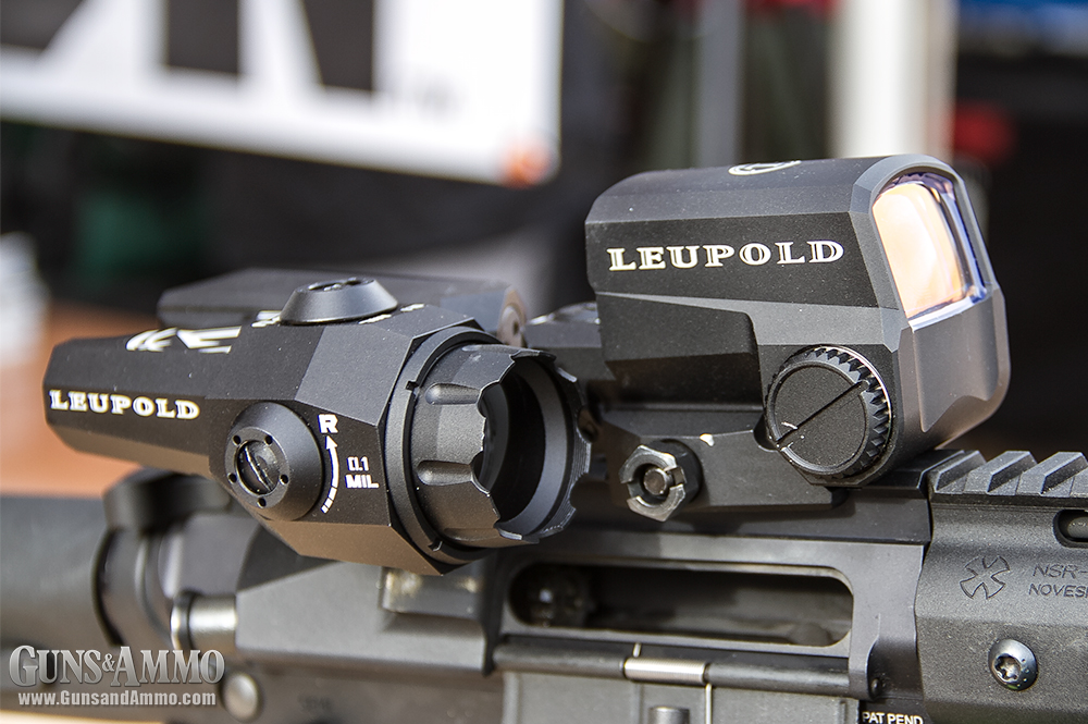 //www.gunsandammo.com/files/first-look-leupold-d-evo-rifle-optic/leupold_devo_optic_3.jpg