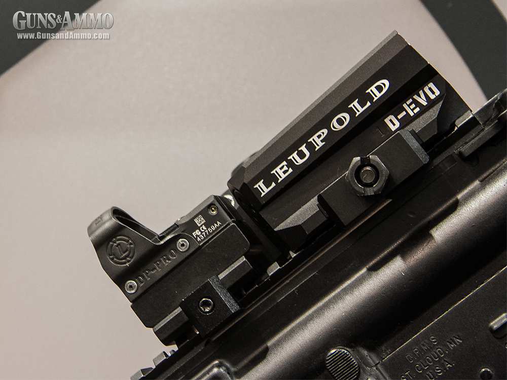//www.gunsandammo.com/files/first-look-leupold-d-evo-rifle-optic/leupold_devo_optic_7.jpg