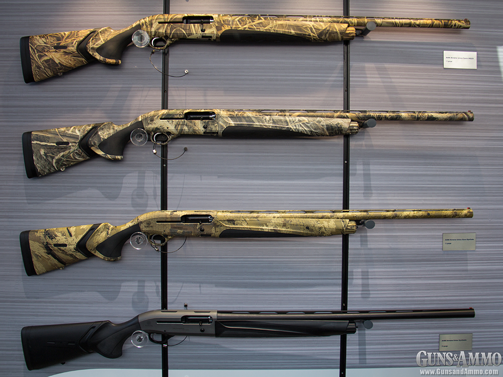 //www.gunsandammo.com/files/ga-visits-the-2014-iwa-show/beretta_a400_shotguns.jpg