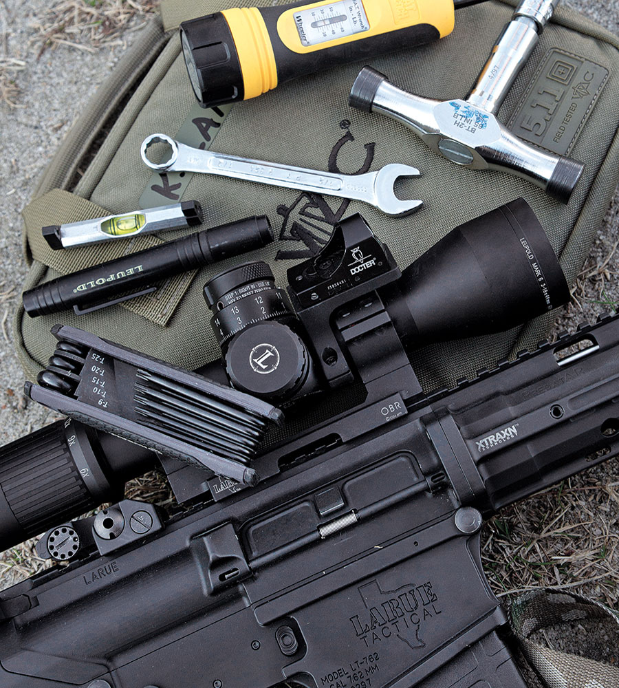 //www.gunsandammo.com/files/how-to-setup-the-7-62mm-sniper-system/762mm_sniper_system_tools_02.jpg