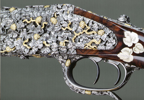 //www.gunsandammo.com/files/king-of-bling-the-million-euro-rifle/bling-gun_002.jpg