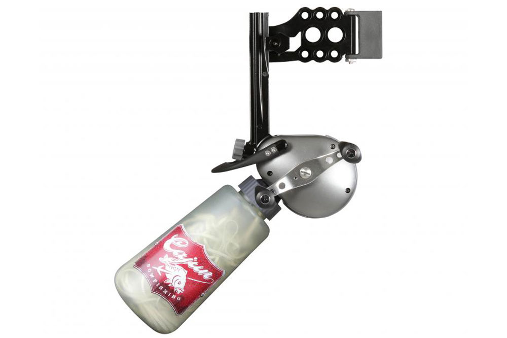 //www.bowhunter.com/files/10-best-bowfishing-products-for-2014/cajun_hybrid_reel_3.jpg