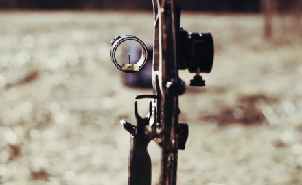 Tony Peterson and Mike Carney discuss the advantages of moveable pin sights.