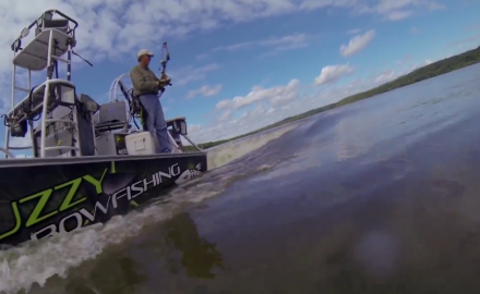 Curt Wells teams up with Muzzy Bowfishing to arrow the Illinois River's Asian Carp.