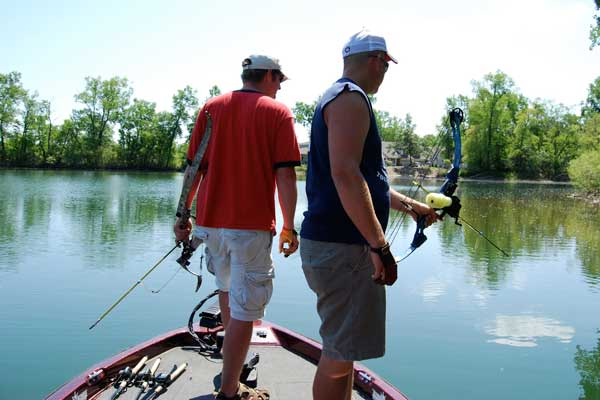 8 Ways to Improve Your Bowfishing Success