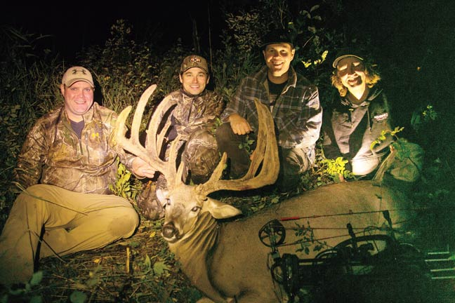 bowhunting-100-inch-whitetail