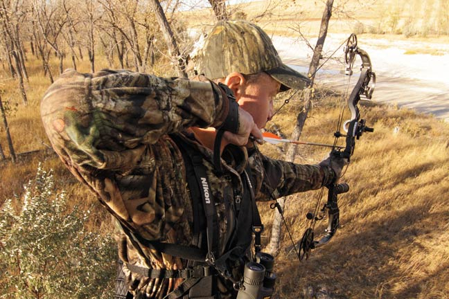 Remain Invisible Secrets To Perfect Treestand Placement Bowhunter