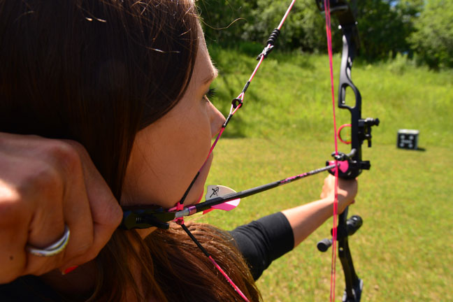 womens-bowhunting-gear-top