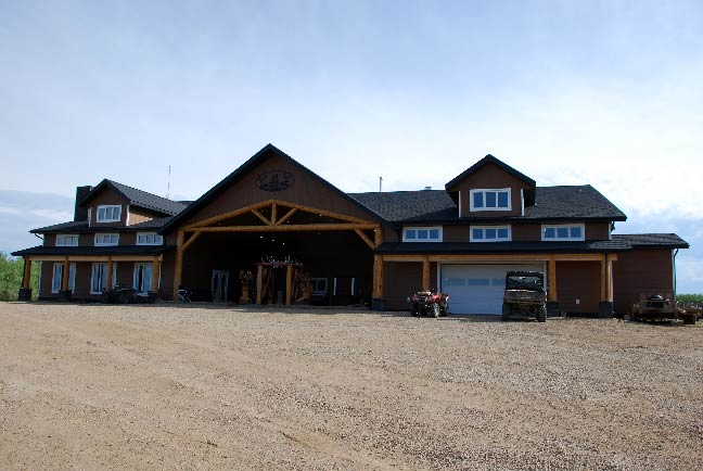 Buck-Country-Outfitters-Lodge