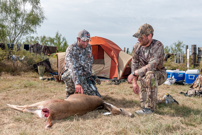 Bowhunting-Trips-Camp