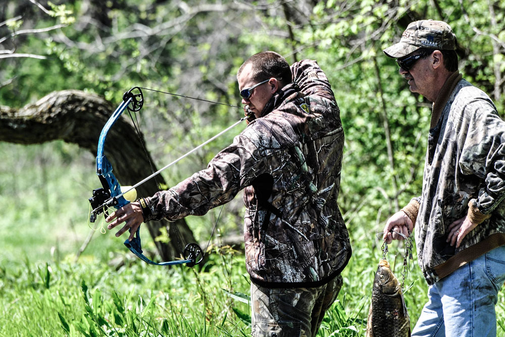 //www.bowhunter.com/files/8-reasons-bowfishing-will-make-you-a-better-big-game-hunter/form_2.jpg